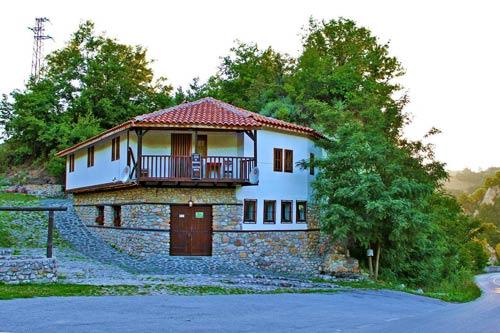 Околност на къща за наем край Мелник 4